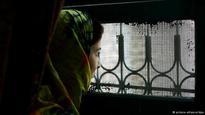 Pakistani parliament passes landmark anti-'honor killing' bill
