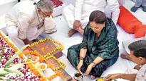 CM Vasundhara Raje lays foundation stone for state-of-art cancer institute