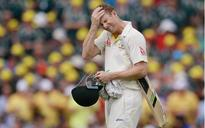 Adam Voges, who bettered Don Bradman's record, suffers freak head injury