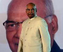 Sumitra Mahajan calls on Ram Nath Kovind, congratulates him on victory