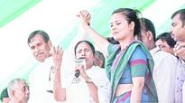 Mamata dishes out dose of love