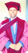 Uhlonishwe ngeziqu zobudokotela uPhoswa