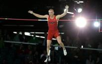 Army reserve, pole vaulter Sam Kendricks favorite in final