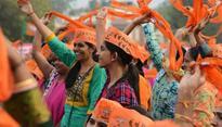 BJP ahead in Gujarat, Himachal; Congress puts up spirited fight