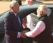 Malaysian PM gets ceremonial welcome