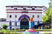 Sasikala neighbour 'Cyanide' Mallika shifted to Hindalga Belagavi