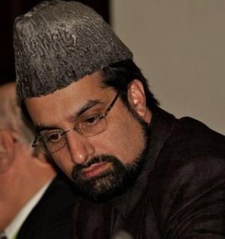 Separatist Mirwaiz condemns lynching of cop