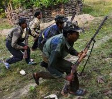100-strong Maoist group storms train in Bihar