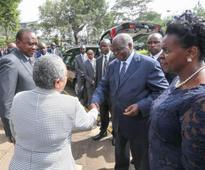 Uhuru eulogises Mama Lucy Kibaki as strong woman with no 'half ways'
