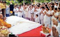 Gujarat: 150 dalits embrace Buddhism