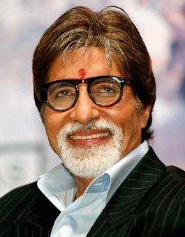 Amitabh starts following Cong leaders, triggers speculation