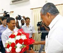 Kejriwal meets Pinarayi, says visit heralds new beginning