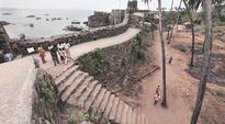 Maharashtra government to promote beach tourism in Sindhudurg