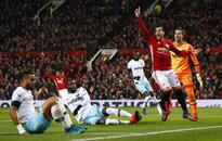 Phil Neville: Manchester United moving in rig...