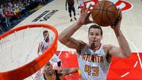 Kris Humphries shatters backboard, ends Hawks practice early