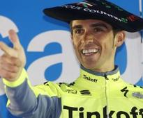 Contador takes note of his messages