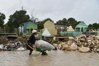 Eye of Hurricane Matthew pounds eastern Cuba: US monitor