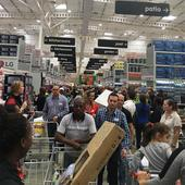 See the ridiculous queues at Makro's massive Carnival opening  photos