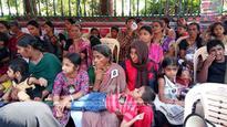 Women with endosulfan-hit kids protest outside Kerala Secretariat