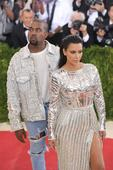 Kim Kardashian Bans Kanye West From Tour Amid Divorce Rumors? Vies With Kourtney & Khloe Kardashian For Hot Photo