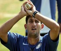Agarkar Defends Dhonis Decision of Not Giving Full Quota of Overs to Ashwin