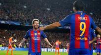 Champions League wrap: Napoli suffer late surprise but Barca breeze through City test