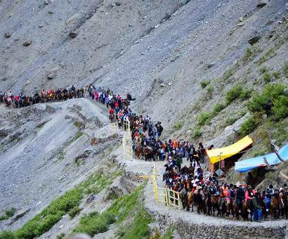 Airlines directed to re-validate tickets of stranded Amarnath Yatra pilgrims