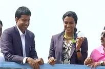 PHOTOS: Super Sindhu arrives at Hydrabad, gets a grand welcome