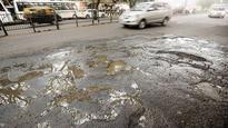 BMC to mend 1773 roads before monsoon, 445 in progress