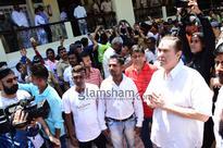 Kapoor men Ranbir, Rishi, Randhir bid adieu to Lord Ganesha - News
