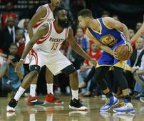 Warriors win Game 4, lose Curry to knee injury