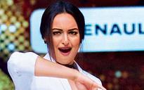 Sonakshi Sinha-Jacqueline Fernandes dance-off in Jhalak Dikhlaa Jaa