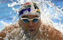 Irrepressible Le Clos wins third consecutive world 100m butterfly short-course crown and smashes own world record