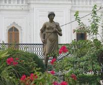 Shia waqf board wants Roman statues out of Hussainabad Imambara