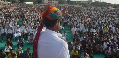 Rahul to ride into Gujarat on a bullock cart