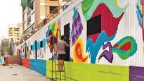 3,000 Mumbaikars paint 'Majhi Metro' mural in Andheri