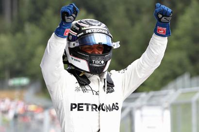 Formula One: Mercedes' Bottas pips Vettel to win Austrian Grand Prix