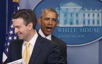 'Proud' Barack Obama surprises spokesman Josh Earnest on his last day