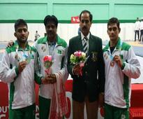 Pakistan wrestlers win two silvers, squash players excel