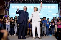 Watch Hillary Clinton Meet With Vicente Fernandez After Final Debate: 'I Loved Your Song!'