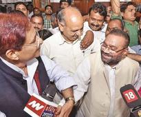 Maurya quits BSP, Maya calls him habitual party-hopper