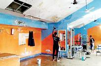 False ceiling at Tilak maidan crashes; water everywhere!