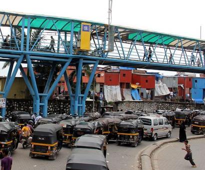 Skywalk collapses in Mumbai suburb
