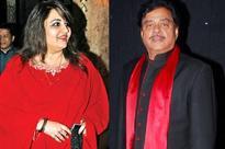 Reena Roy's daughter to make her debut