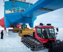 Antarctica Halley Research station forced to Relocate due to Ice Shelf Cracking just like The Day after Tomorrow Movie