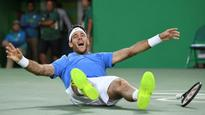 Rio 2016: Del Potro outlasts Nadal in epic to set up Murray gold medal match