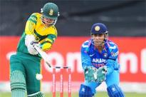 3rd ODI: Rain delays India's run chase