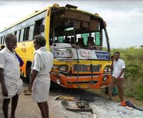 8 children killed in van-bus collision near Pudukottai