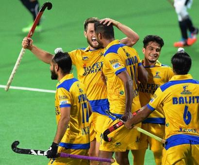 Hockey India League: Punjab thrash Mumbai to go top of the table