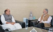 Delhi Lieutenant Governor Najeeb Jung Briefs Rajnath Singh On Municipal Strike